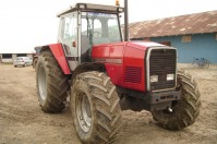 Vand tractor Massey Ferguson 3690